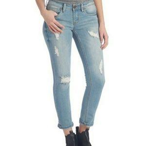 Dollhouse Jeans Light Wash Capris Distressed 9 EUC